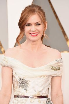 Pin for Later: See Every Award-Worthy Beauty Look From the Oscars Isla Fisher
