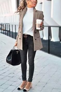 Chic Khaki Suit Blazer - Outfits for Work - Casual Outfits Trajes Business Casual, Best Business Casual Outfits, Women Business Casual, Stylish Outfits, Formal Casual Outfits, Business Fashion, Classy Outfits, Woman Outfits, Winter Business Casual