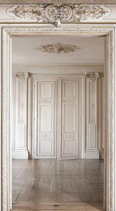 soubassement boiseries louis xv grises deco pinterest recherche. Black Bedroom Furniture Sets. Home Design Ideas