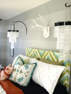 Hand-Painted Chevron-Ikat Headboard. We love us some chevron! http://www.ivillage.com/diy-headboard-projects/7-b-483566#483571