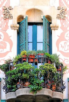Barcelona and its balconies. Just walking around streets in Barcelona and look around will makes your happy! Beautiful Architecture, Architecture Details, Modern Architecture, Balcony Garden, Tiny Balcony, Windows And Doors, Porches, Outdoor Gardens, Indoor Gardening