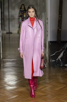 Valentino, Fall 2017 - The Prettiest Coats and Jackets From the Paris Runway - Photos