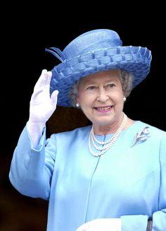 Queen Elizabeth, 2002 in Frederick Fox