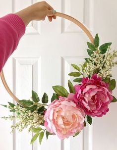 DIY : Embroidery Hoop Wreath || Dreamery Events Mason Jars, Diy Projects, Wreaths, Home Decor, Homemade Home Decor, Mason Jar, Deco Mesh Wreaths, Interior Design, Do It Yourself