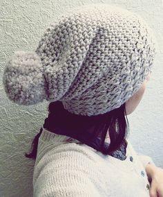 Slouchy crocheted hat (free pattern)