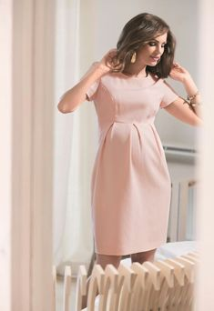 20 Ideas For Tall Maternity Clothes – The Outfits That Inspire Your Style Maternity Work Clothes, Maternity Dress Outfits, Stylish Maternity, Pregnancy Outfits, Maternity Wear, Maternity Fashion, Maternity Styles, Dresses For Pregnant Women, Pregnant Wedding Dress