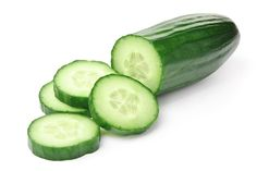 Cucumbers are low in calories but high in beneficial nutrients that may lead to various health benefits. Here are 7 health benefits of eating cucumber. Home Remedies For Eczema, Foot Remedies, Natural Home Remedies, Rosacea Remedies, Sunburn Remedies, Herbal Remedies, Health Remedies, Remove Toxins From Body, Cucumber Health Benefits