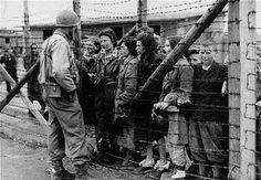 Conmemoración en Memoria de las Víctimas del Holocausto en las ciudades de la Red de Juderías - http://diariojudio.com/noticias/conmemoracion-en-memoria-de-las-victimas-del-holocausto-en-las-ciudades-de-la-red-de-juderias/151279/