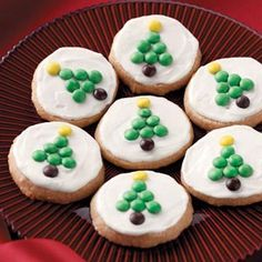 Crisp Lemon Tea Cookies Recipe...don't know if I will use the recipe for the cookie or just copy the really cute M decorating idea...