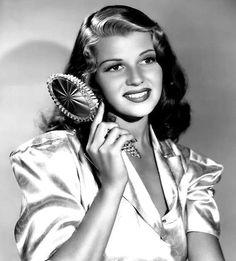 ladylikelady:  Rita Hayworth