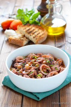 Gustosa zuppetta di #calamari con #ceci e #pomodoro semplicissima da preparare #ricetta #zuppadipesce #ricettefacili