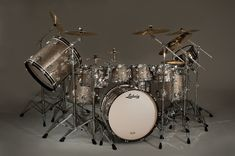 I SO need these Ludwig drums