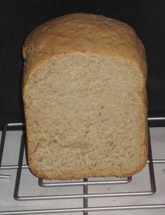 0020. pivní chléb - recept pro domácí pekárnu Banana Bread, Graham, Desserts, Food, Tailgate Desserts, Deserts, Essen, Dessert, Yemek