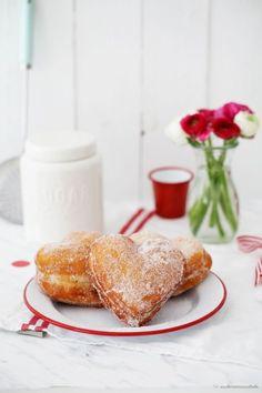 Herzkrapfen, Herzberliner, Herzkreppel, herzige Fasnachtsküchle: ein Rezept nicht nur zu Valentinstag - Zucker, Zimt und Liebe