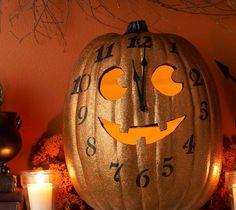 DIY Halloween : DIY Halloween Pumpkin Clock DIY Halloween Decor