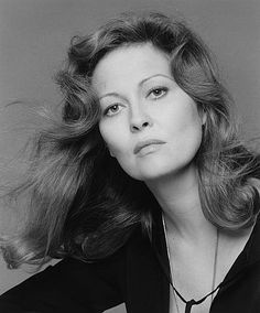 Faye Dunaway // photo by Francesco Scavullo Hollywood Actresses, Old Hollywood, Actors & Actresses, Classic Hollywood, Faye Dunaway, Divas, Francesco Scavullo, Old Movie Stars, Celebrity Portraits