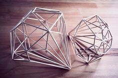 Rotkehlchen: DIY: ferm living inspired diamond tutorial - instructions in German but pictures are pretty self explanatory Diy Lampe, Diy Projects To Try, Diy Room Decor, Diy And Crafts, Cool Stuff, Handmade, Inspiration, Design, Three Dimensional