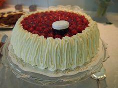 Buenos Días: Tuore Ylioppilas Cake, Desserts, Pink, Bom Dia, Tailgate Desserts, Deserts, Kuchen, Postres, Dessert