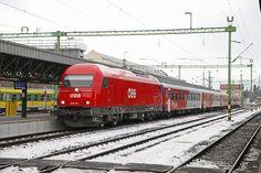 2016 013 mit Wendezug in Sopron am 12.01.2017.