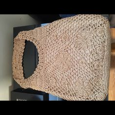 Liz Claiborne Tan bag with gold threading. NWOT Liz Claiborne Bags Hobos
