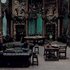 Listen online to the sound mix called: Slytherin Common Room.---> this page is amazing. the slytherin common room is the coolest. i just can't take the sounds of the other houses Slytherin House, Slytherin Pride, Slytherin Aesthetic, Harry Potter Aesthetic, Hogwarts Houses, Hufflepuff Common Room, Gothic Interior, Gothic Home Decor, Interior Design