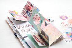 Polaroid-Mini in der Box Mini Scrapbook Albums, Scrapbook Paper Crafts, Diy Scrapbook, Baby Mini Album, Cute Scrapbooks, Diy Crafts For Girls, Mini Album Tutorial, Diy Gift Box, Book Making