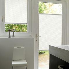 Get inspired by Luxflex window decoration. Estores Enrollables - Oscilobatiente Disponible en @latorredecora  http://latorredecoracion.com/