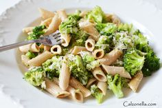pasta in broccoli sauce, pasta in cream-broccoli sauce, pasta with broccoli in cream sauce, whole-grain pasta with broccoli, children's lunches Quick Recipes, Healthy Recipes, Healthy Meals, Cooking With Kids, Pasta Salad, Broccoli, Spaghetti, Food And Drink, Penne