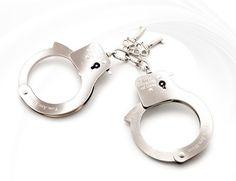 sm용품 [미국 Fifty Shades Of Grey] Metal Handcuffs, 성인용품 파트너69넷 www.partner69.net 파트너69 쇼핑몰에서 판매하는 sm용품 수갑 'Metal Handcuffs'는 메탈재질의 고급 수갑으로서 고급소재로 만들어진 그레이의 50가지 그림자의 로고가 들어간 고급스런 느낌의 메탈 핸드커프스입니다.