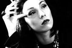Nascida na Ucrânia, naturalizou-se brasileira. Clarice foi uma grande escritora e jornalista e suas obras impressionam pela qualidade literária. Conheça sua obra.