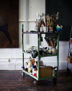 Artist brush trolley