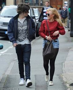 Harry Styles stepped out with old school friend Ellis Calcutt. Despite earning himself a reputation as somewhat of a ladies man, she insists they are just good friends. The pair went for a coffee after Harry showed off his new set of wheels, a brand new Audi R8 Coupe. via dailymail.co.uk