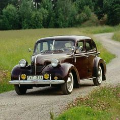 This and the were sedans, the last of the large six-cylinder Volvo passenger cars at that time. Only were produced between 1946 and Ford Motor Company, Vintage Cars, Antique Cars, Retro Vintage, The Swede, Cars Uk, Volvo Cars, S Car, Koenigsegg