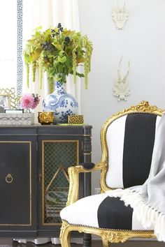 black and white with blue, elements of style blog