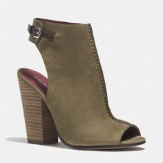 The Saratoga Heel from Coach--> need to get!