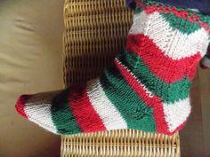 Flippige+Socken+mit+ZiackZackmuster+von+Sramana+auf+DaWanda.com
