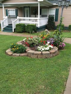 Cheap Landscaping Ideas For Your Backyard Landscaping With Rocks, Outdoor Landscaping, Front Yard Landscaping, Backyard Landscaping, Outdoor Gardens, Front Yard Walkway, Landscaping Borders, Nice Backyard, Landscaping Equipment
