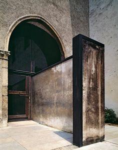 Castelvecchio Museum, by Carlo Scarpa, Verona, Italy Carlo Scarpa, Architecture Design, Minimalist Architecture, Museum Architecture, Architecture Interiors, Brutalist, Windows And Doors, Arched Windows, Facade