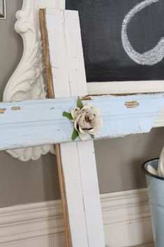 Wedding Cross, Spring Looks, Ladder Decor, Repurposed, Entryway Tables, Diy Projects, Easter, Coastal, Crafty