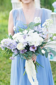 Blue and purple bridal bouquet | Stasya Dementyeva Photography | see more on: http://burnettsboards.com/2015/12/sky-inspired-engagement/