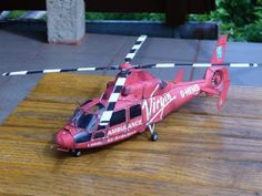 Helicopter Ambulance Paper Model | Tektonten Papercraft