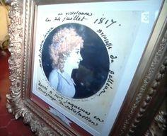 Portrait de la marquise de Galléan. Inscriptions: Au Villelaure; ce 24 juillet 1817; Marquis de Forbin Janson; princesse de Galléan; Donné à Mrs Jaquemes en témoignage de son affection.  Source: émission des Racines & et des Ailes, sur France 3