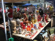 Challenging Arts & Crafts: The Sunny Side Of The Viennese Flea Market