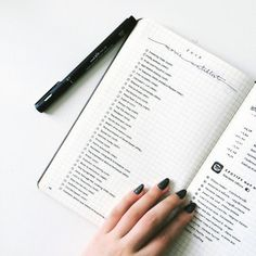 This list that's simply stunning: | 24 Minimalist Bullet Journal Layouts That'll Get You Hard