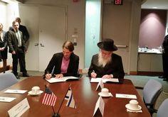 Israel firmó un acuerdo de innovación en salud con Estados Unidos - http://diariojudio.com/noticias/israel-firmo-un-acuerdo-de-innovacion-en-salud-con-estados-unidos/148460/