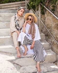 Perfect Ways To Wear Beach Outfit For Hijabis – hijab-outfit – – Hijab Fashion 2020 Beach Outfit Plus Size, Beach Outfits Women Plus Size, Fall Beach Outfits, Casual Beach Outfit, Hijab Fashion Summer, Classy Summer Outfits, Summer Outfit For Teen Girls, Summer Outfits Women, Casual Summer