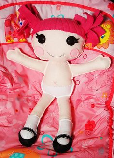 Lalaloopsy like felt doll?! <3 <3  {Oh how I wish I could sew better. HELLO, grandma!!} :P