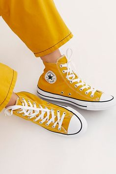 Chuck Taylor All Star Hi Top Converse Sneakers Galaxy Converse, Converse All Star, Style Converse, Mode Converse, Yellow Converse, Sneakers Mode, Converse Chuck Taylor, Yellow Shoes, Converse Sneakers
