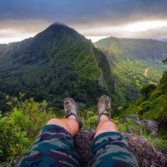 Another incredible photo from Pali Notches, Oahu @KalenEmsley