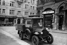 1910-es évek. Bartók Béla (Horthy Miklós) út 36 1933 Hadik kávéház mellett.